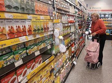 """Inflación: el Gobierno """"congelará"""" los precios de productos de primera necesidad"""