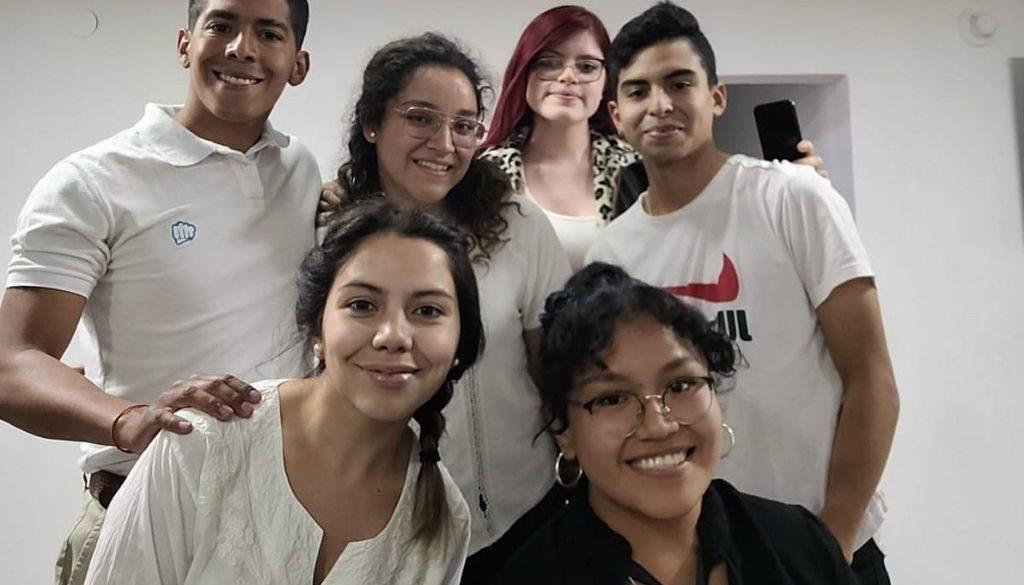 """Estudiantes de Turismo de la UCASAL, ganadores del hackatón internacional """"Movilizando Talentos"""""""