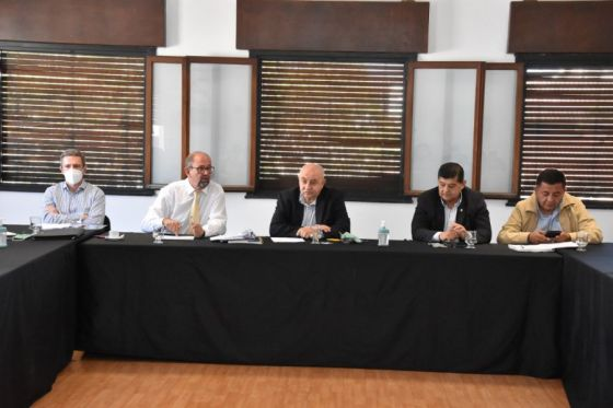 Camacho informó a senadores lo ejecutado en materia de obra pública