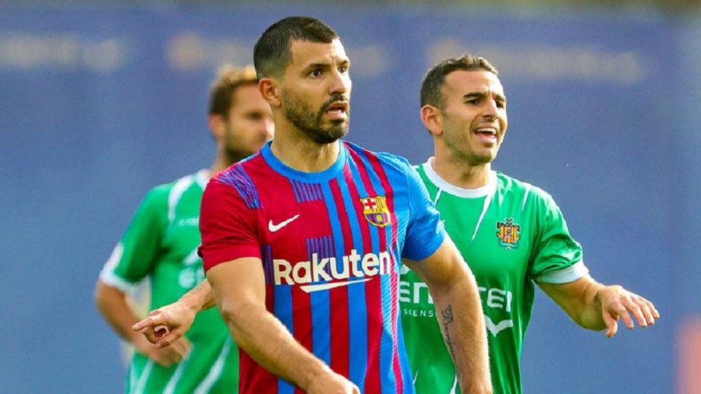 Luz verde para Agüero: juega 30′ ante el Cornellà y marca un gol